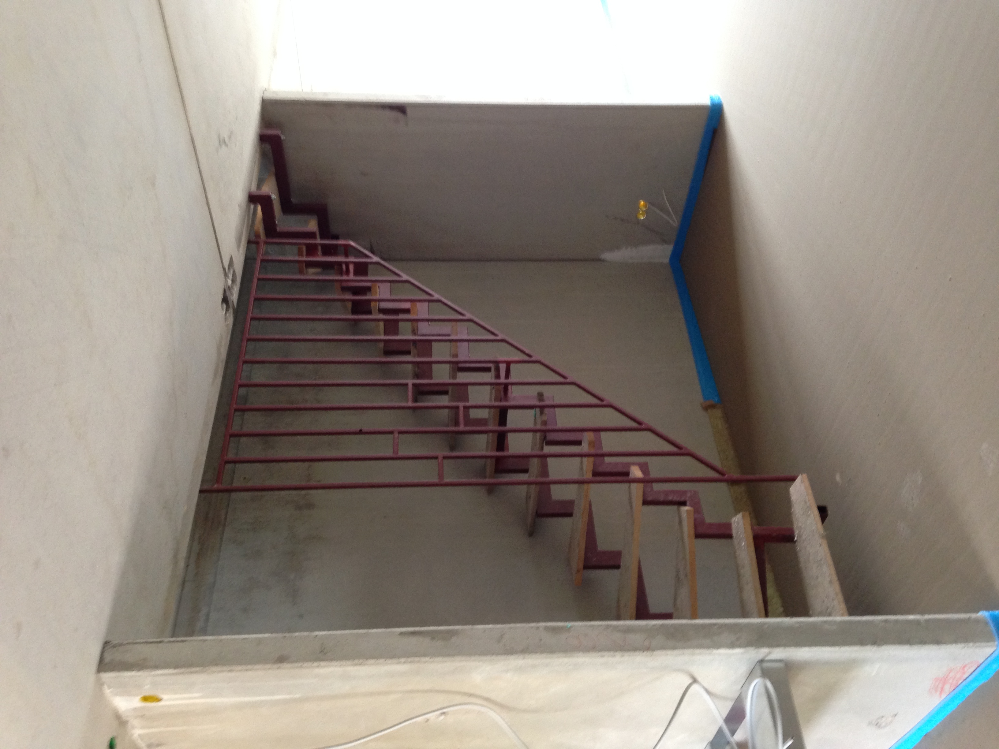 elegant treppe lackieren haus design ideen. Black Bedroom Furniture Sets. Home Design Ideas